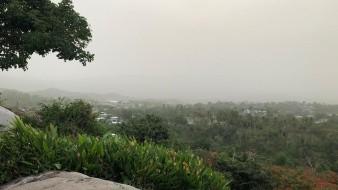 Explicó que el polvo del Sahara, proveniente del occidente de África, contiene materiales biológicos y químicos que son potencialmente dañinos a la salud respiratoria.