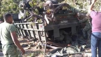 AMLO envía pésame a familiares de militares fallecidos en Tijuana en volcadura