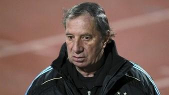 Carlos Bilardo, exdirigente de la Selección Argentina, da positivo por covid-19
