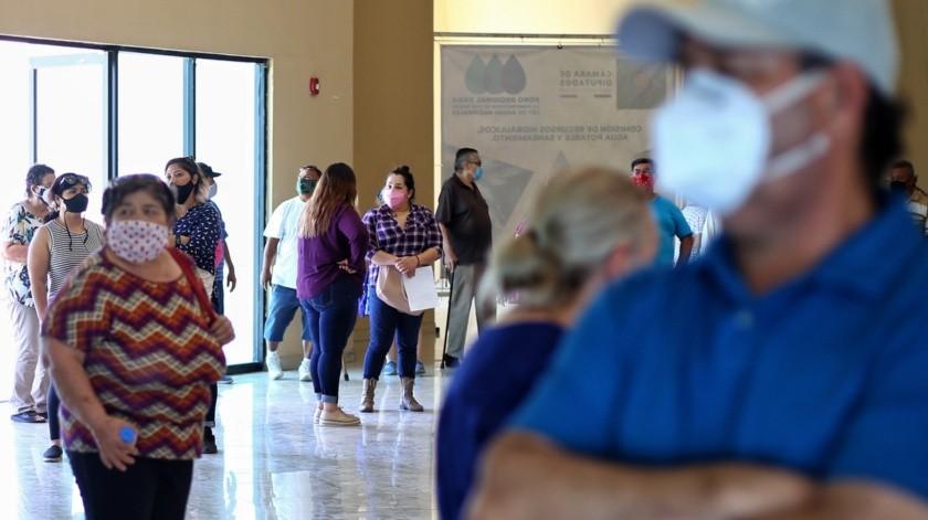 Señalan se expone a personas de tercera edad en entrega de pensiones(Daniel Reséndiz)