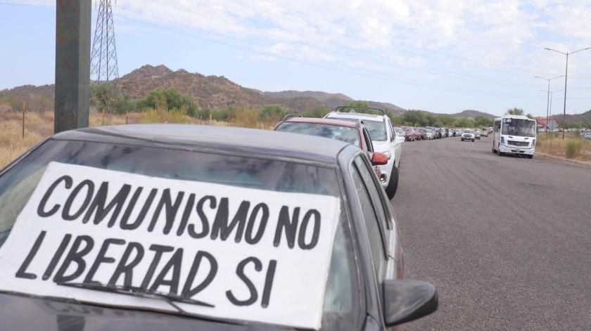 Circula tercera caravana anti AMLO por calles de Hermosillo(Anahí Velásquez)