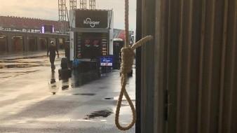 Dueño de pista criticado y atacado por mencionar soga encontrada en el garaje  Wallace