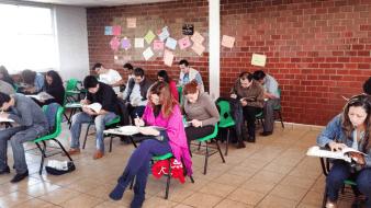 Sigue abierta convocatoria para que adultos estudien la 'prepa'