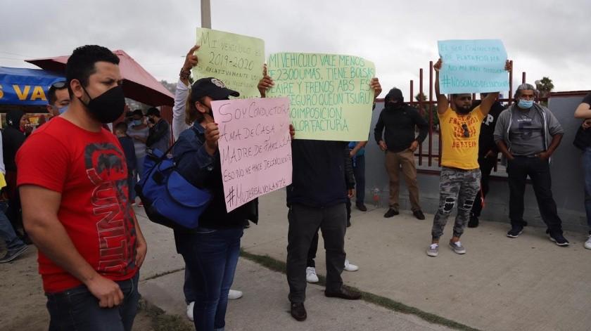 Los conductores protestaron en contra de los impuestos por el uso de las plataformas, principalmente.(Sergio Ortiz)
