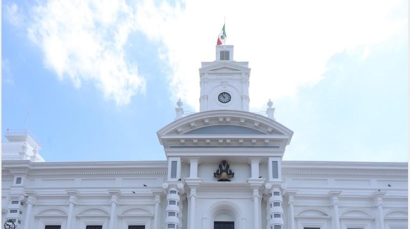 Hoy reanudaron labores los trabajadores del Gobierno del Estado después de tomar el primer periodo vacacional del año.(Archivo GH)