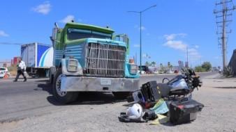 Policía Municipal pierde una extremidad en accidente de tránsito con tráiler