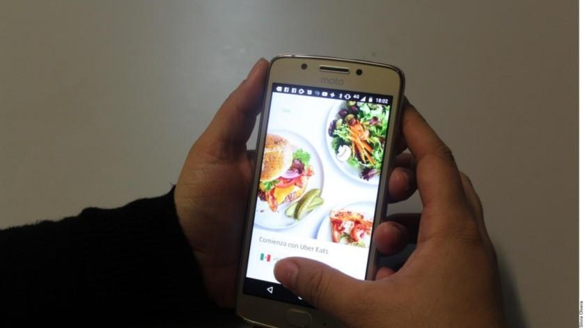 Ilustrativa. Señalan que los restauranteros deben incrementar los precios de sus productos en estas aplicaciones de Delivery para poder recibir ganancias y esto reduce también sus ventas.(Agencia Reforma)