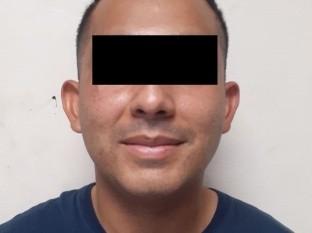 Dan prisión a ex policía municipal por violencia familiar y violación
