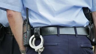 Investigan a policías que llamaron