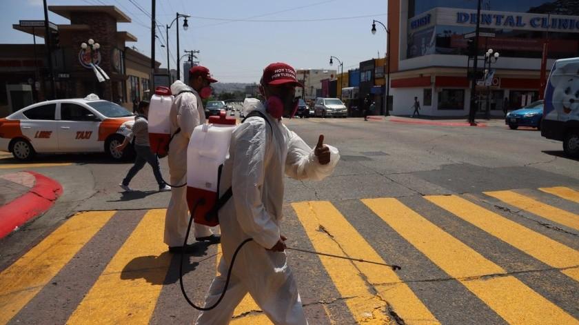 Realizan limpieza en avenida Revolución de Tijuana(Sergio Ortiz)