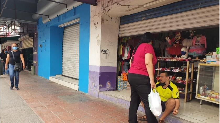 Comerciantes de Hermosillo se preparan para reanudar actividad; Sonora sigue en rojo(Julián Ortega)