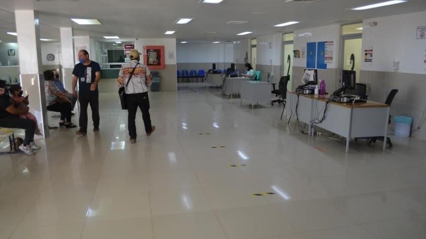 Continúan consultas en hospital de San Quintín