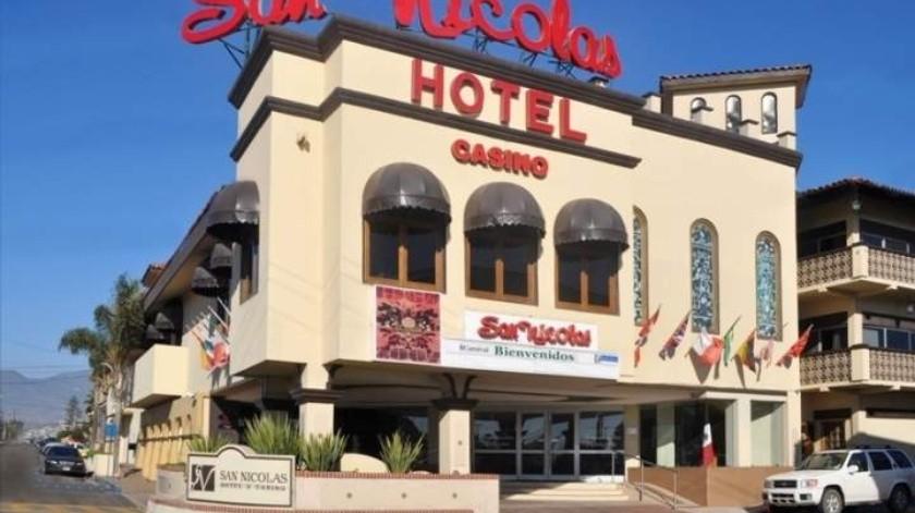 Continuarán cerrados bares y casinos