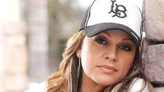 """Por años Jenni Rivera y otra cantante pelearon el nombre de""""La Diva de la Banda""""."""