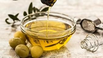 Si te gusta una vinagreta más dulce, prueba el vinagre balsámico o con infusión de frutas.