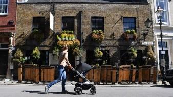 Impulsa a economía británica reapertura de pubs y restaurantes