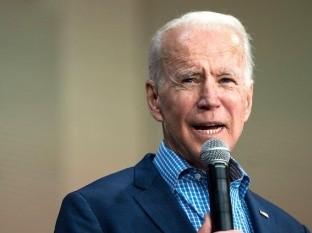 Biden llama a
