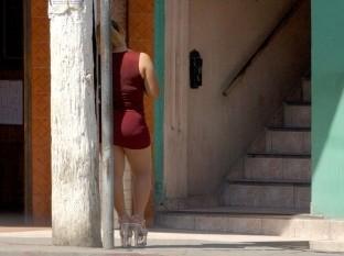 Si existe algún incremento de las trabajadoras sexuales en la Zona Norte lo hacen afuera de los establecimientos porque aseguró que los bares y cantinas continúan cerrados.