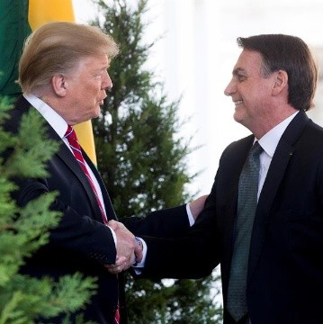 Bolsonaro felicita a Trump y defiende el legado de los fundadores de EU