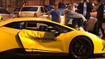Vloguero  tiene accidente en Lamborghini que sorteó entre sus suscriptores