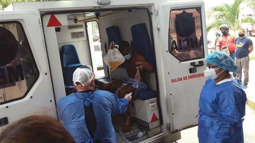 """El alcalde de Pueblo Viejo, Fabián David Ospino, dijo en redes sociales que """"por lo menos hay siete personas calcinadas en este accidente trágico"""" y añadió que la cifra de heridos puede llegar a 50.(EFE)"""