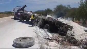 Choque de tráilers provoca incendio en carretera Guaymas-Hermosillo
