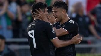 Reyes apuesta por Jiménez al asegurar que será exitoso en la Juventus o Manchester United