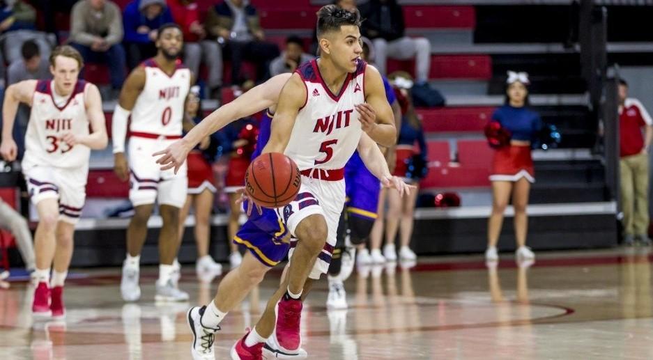 El sonorense Diego Willis crece en el basquetbol de la NCAA