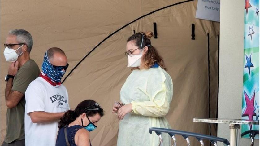 De acuerdo con el diario New York Times, la entidad fronteriza con México encabeza la lista de estados y países con la mayor tasa de propagación de virus.(EFE)