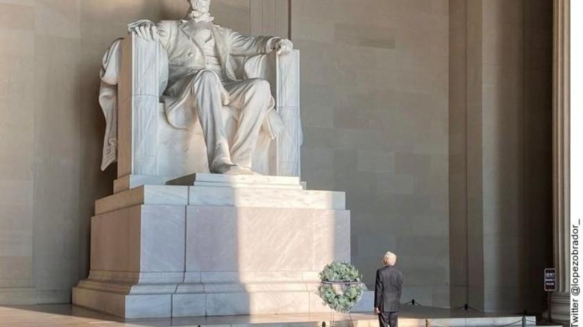 El Mandatario mexicano llegó al monumento de Abraham Lincoln.(Agencia Reforma)