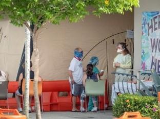 Suman 2 mil muertes por Covid-19 en Arizona, el epicentro mundial del virus