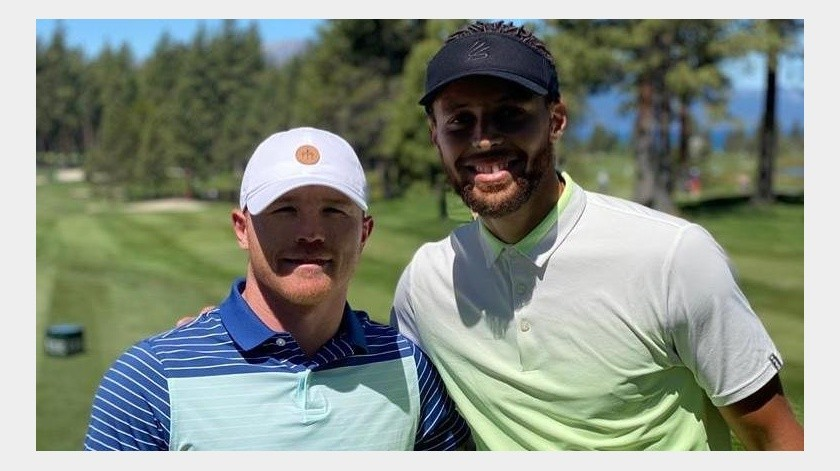 """Canelo"" se avienta un round con Stephen Curry(Instagram @canelo)"