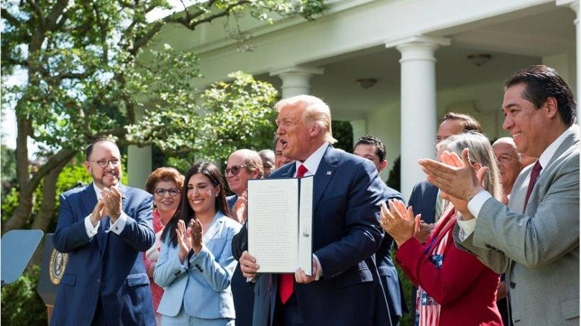 López Obrador agregó sobre la visita que realizó el miércoles a la Casa a Blanca, pues se consideró el momento para hacer la gira.(EFE)