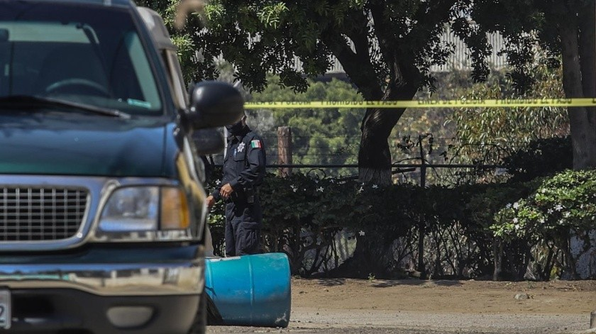 El cuerpo violentado de la víctima estaba en envuelto en una bolsa de plástico color negro.(GUSTAVO SUÁREZ)