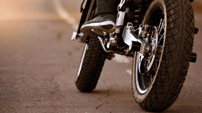 Roba en moto bolso a mujer en la Metalera(Pixabay)
