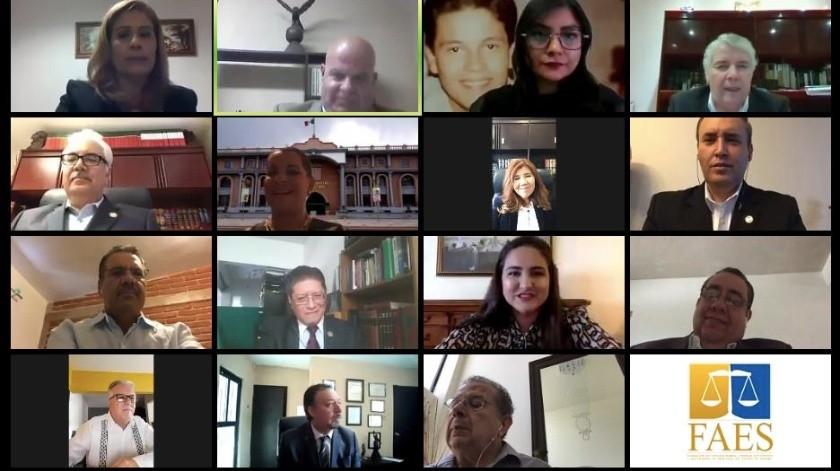 Reconoce Célida López labor de abogados en su día(ESPECIAL)