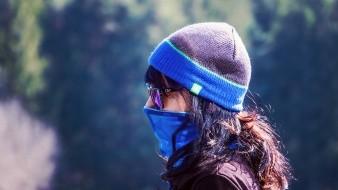 Una mujer en Inglaterra cosió y donó mascarillas con ventanillas transparentes que son vitales para las personas que dependen de la lectura de los labios.