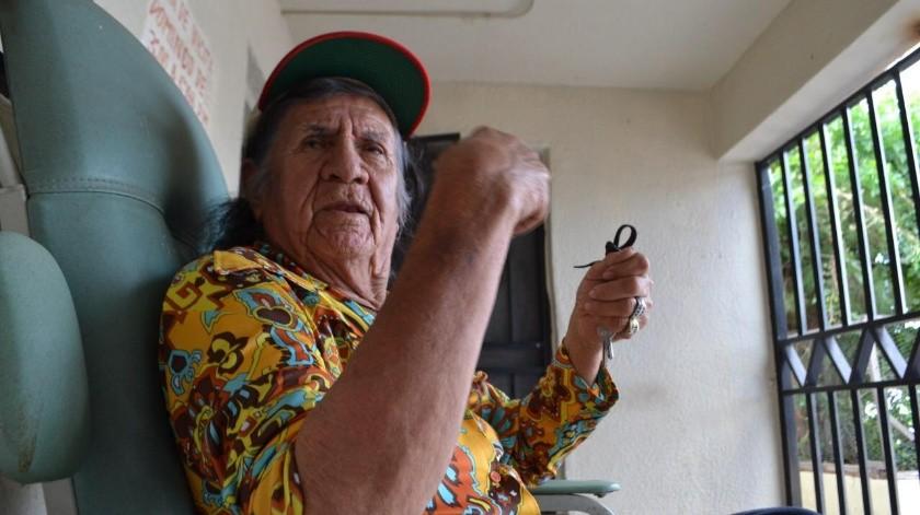 A los 87 años de edad y a causa de una neumonía, Faustino falleció el pasado sábado, tras 59 años de altruismo no sólo para adultos mayores, sino para niños a quienes les construyó un comedor.(Diyeth Arochi)