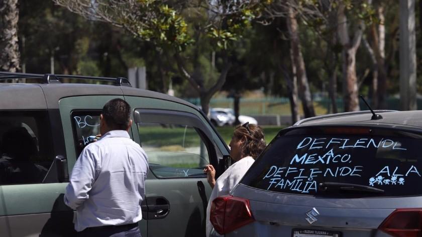 Realizan Caravana contra matrimonio igualitario en BC(Gustavo Suárez)