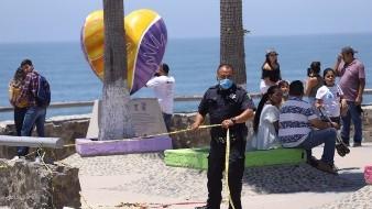 Autoridades retiran a más de mil personas de playas en Tijuana