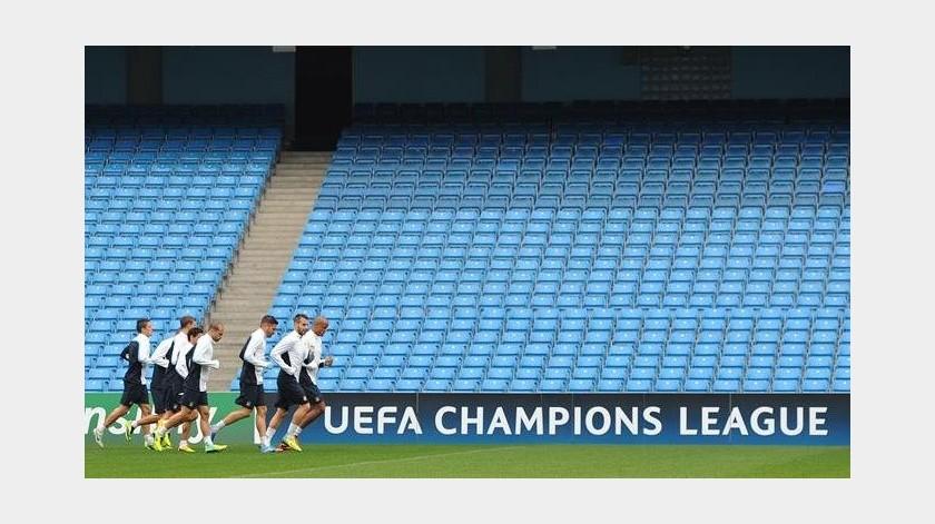 TAS levanta castigo al Manchester City; podría jugar Champions League(EFE)