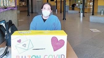 Ayuda a pacientes Covid a recibir cariño de sus seres queridos