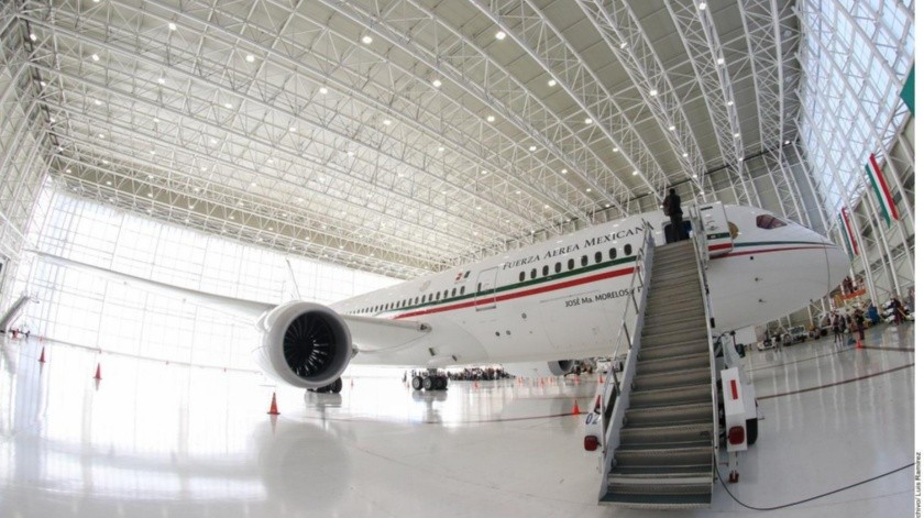 AMLO dijo que pese a la oferta por el avión presidencial, la rifa sigue.(GH)