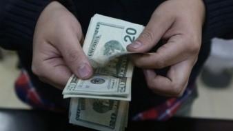 Peso mexicano comienza semana a la baja