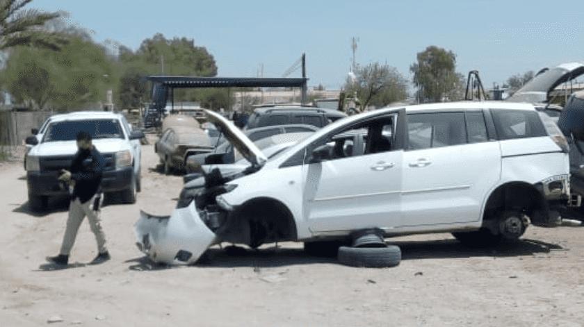 """Tres detenidos y un auto recuperado en operativo en """"yonkes""""(Cortesía)"""