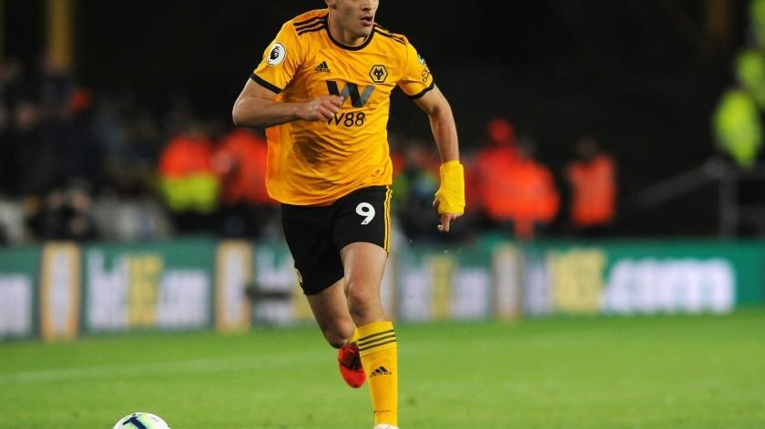 Raúl Jiménez y los Wolves aún anhelan con jugar la próxima Champions League