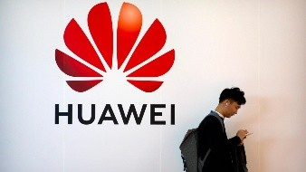 EU anuncia restricción de visados a empleados de Huawei