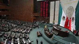Treinta intelectuales llaman a quitarle a Morena la mayoría en la Cámara de Diputados