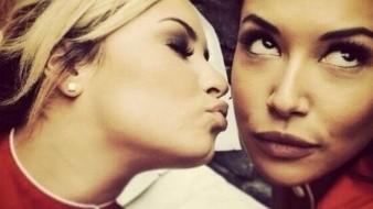 Entre las personalidades del mundo de la fama que honraron la memoria de Nayafue Demi Lovato.