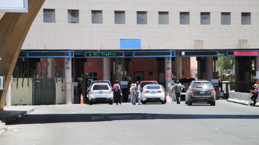 La restricción en cruces sólo está considera de México a EU.(Banco Digital)